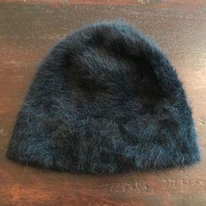 NWOT Black Fuzzy Hat